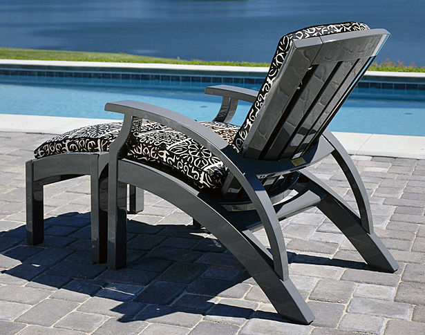 Weatherondack Lounge Chair & Ottoman